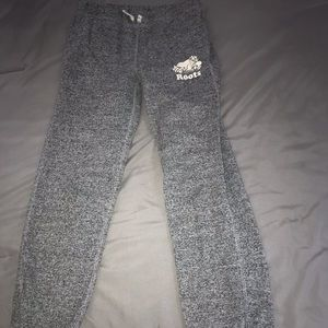 Girls (kids) sweatpants from Roots